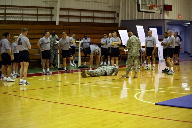 SMDC/ARSTRAT Soldiers participate in a PT Test on Redstone Arsenal, Ala., April 25, 2008.