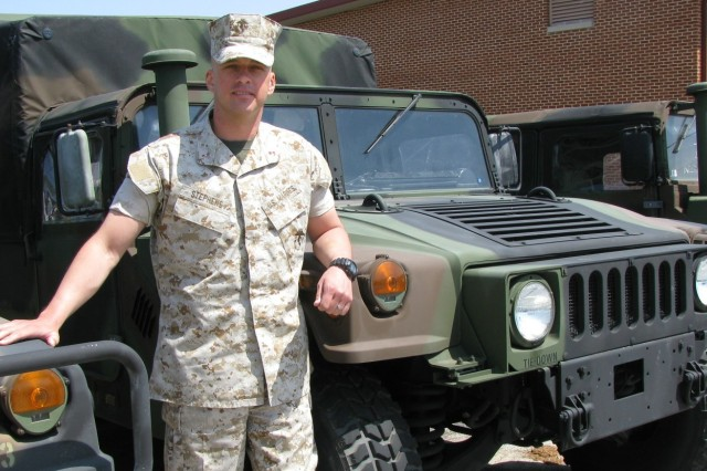 Marine Returns to Arms of Young Family | Article | The