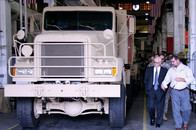 Secretary of Defense at Red River Army Depot