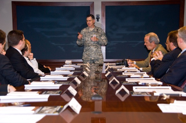 "Maj. Gen. David Blackledge, assistant deputy chief of staff for mobilization and reserve affairs, spoke May 20 to members of the Chicago-area chapter of the Entrepreneurs' Organization, during a ""fly-in visit"" at the Pentagon."