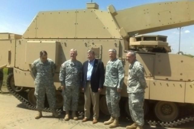 Sen. Inhofe visiting NLOS-C with Gen. Casey