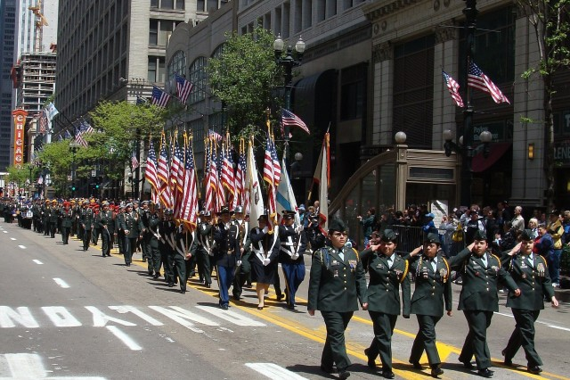 U.S. Army Soldiers march in procession during the city of Chicago's Memorial Day parade on Saturday, May 24, 2008.