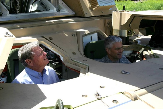 U.S. Senator Jim Inhofe and Chief of Staff of the Army Gen. George W. Casey traveled to Minneapolis for rollout of the first Non-Line-of-Site Cannon prototype at the headquarters and central engineering site of BAE Systems. The NLOS-C will make its public debut June 11 in Washington, D.C.