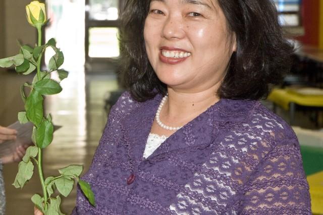 Seoul Elementary officials thank school volunteers