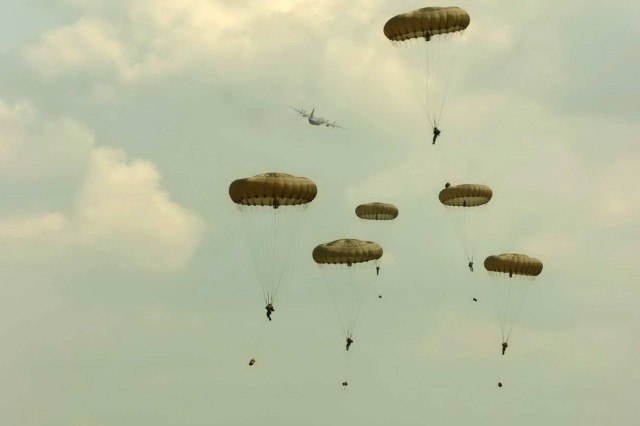 "American Paratroopers from across the US participate in a demonstration ""jump"" in the United Kingdom in preparation for the 64th Anniversary of D-day commemoration to be held on June 7, 2008."