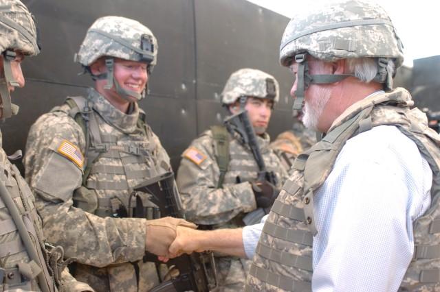Secretary Ford visits Fort Hood