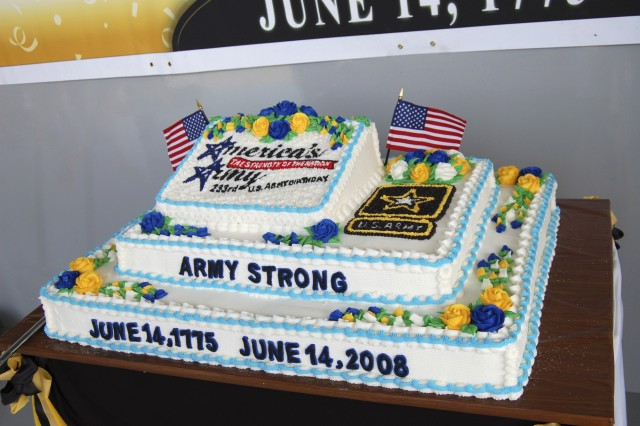 Fort Lee celebrated the Army's 233rd Birthday June 13 with a ceremony at Williams Stadium. The day's event included an enlistment and re-enlistment ceremony, a post-wide run, and an afternoon of activities for Soldiers and Family members.