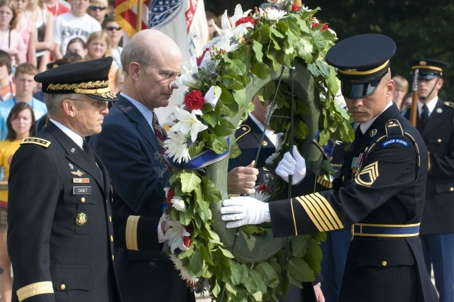 Chief of Staff of the Army Gen. George W. Casey Jr. and Secretary of the Army Pete Geren place a wreath at the Tomb of the Unknowns.
