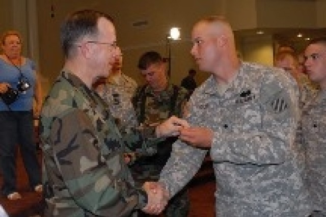 Admiral Mullen visits Fort Stewart-Hunter Army Airfield