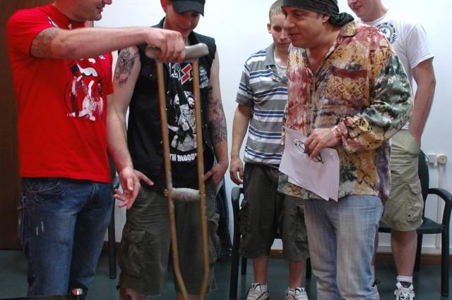 WTU Soldiers meet Van Zandt at Springsteen Concert