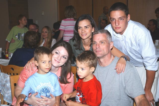 Keith Stansell and family during lunch in the Brooke Army Medical Center, Fort Sam Houston, Texas, July 6, 2008.