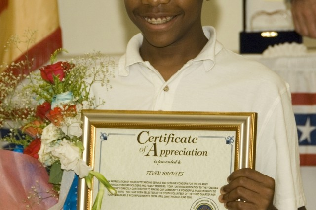 Teven Broyles USAG-Yongsan Youth Volunteer of Quarter