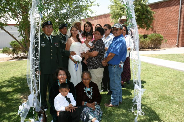 301st Military Intelligence Bn. makes wedding day memorable