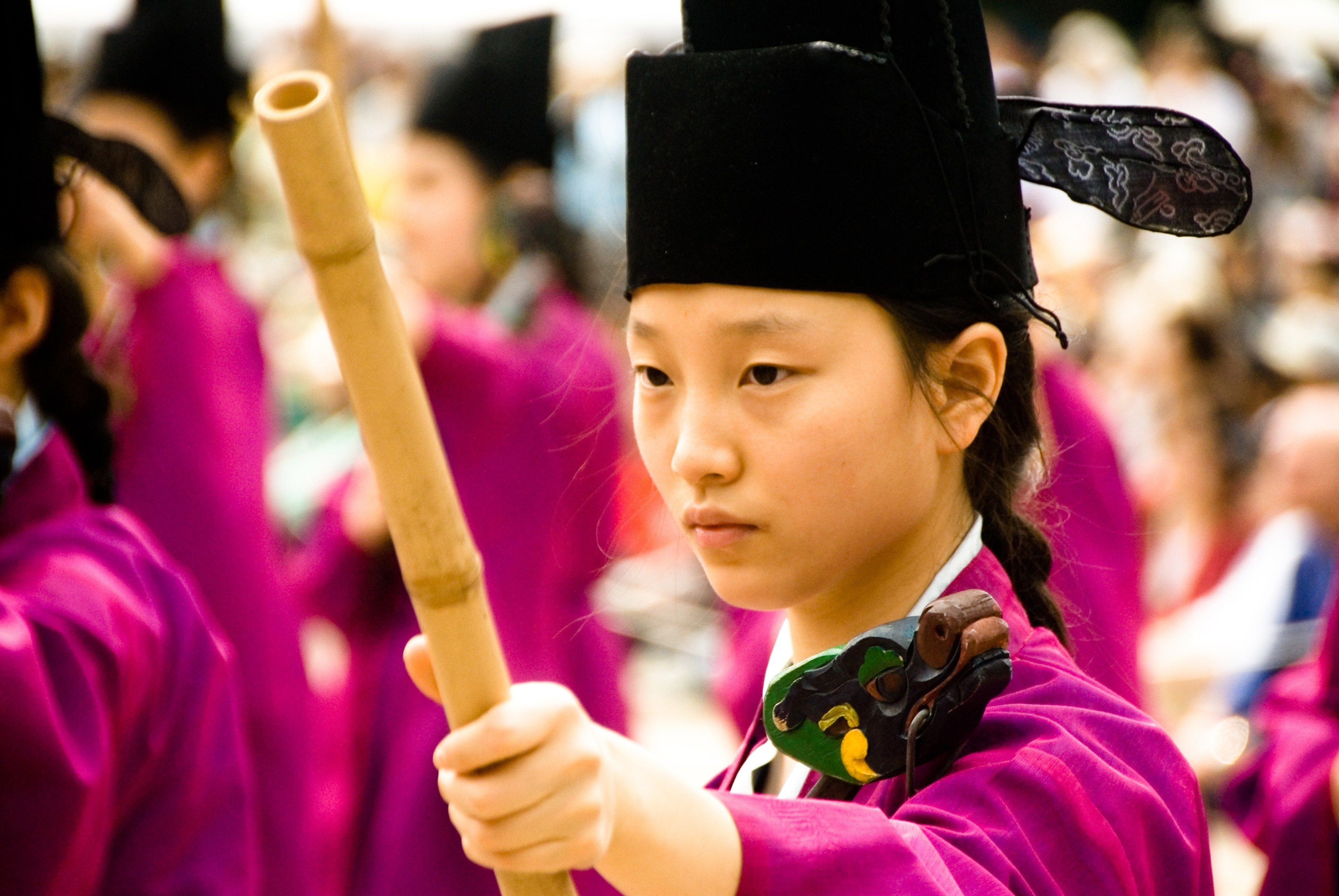 korean customs Guide to travel, doing business, and studying in south korea - culture, greetings,  gestures, etiquette, taboos, negotiations, gift-giving, and more.
