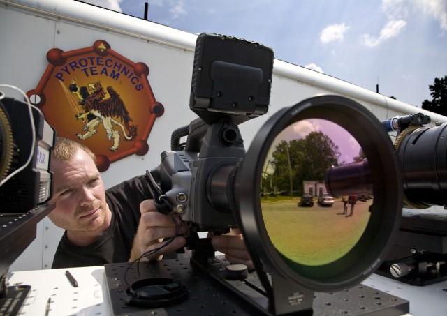 Picatinny engineer demonstrates use of radiometric trailer