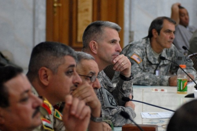 Maj. Gen. Mike Oates, commanding general of Multinational Division - Center and 10th Mountain Division (LI), meets with IA commanders for a conference to discuss the future of the ISF on Aug. 20 at Camp Victory, Iraq.