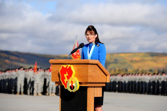 Alaska Gov. Sarah Palin addresses deploying 1st Stryker Brigade Combat Team