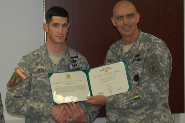 Army Recruiter Awarded Soldier's Medal