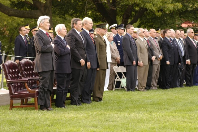 From left to right, Sen. John Warner (Va.), Secretary of Defense Robert Gates, Congressman Duncan Hunter (Calif.), Secretary of the Army Pete Geren and Gen. James Cartwright, Vice Chairman of the Joint Chiefs of Staff, stand on historic Whipple Field during Warner's and Hunter's retirement ceremony Sept. 24.