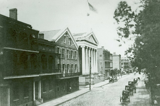 Image shows the City Hall of New Orleans. (Mass MOLLUS Photograph Collection).