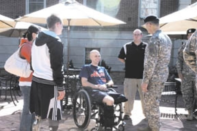 3rd ID visits Walter Reed