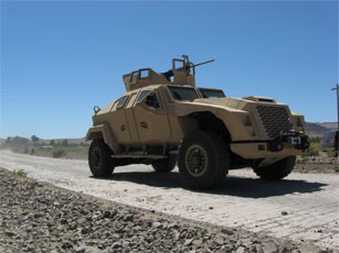 army.mil 2008 10 30 1225389082 <!  :en  >Army awards Joint Light Tactical Vehicle (JLTV) Development Contracts<!  :  >