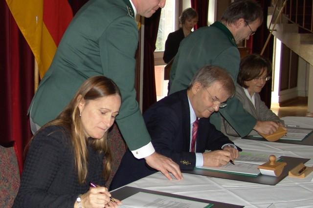 IMCOM-Europe signs environmental agreement