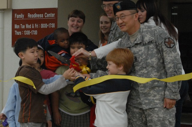 New Family Readiness Center opens at USAG Humphreys