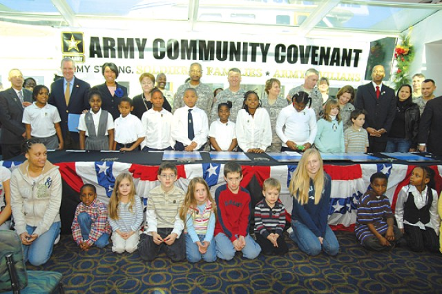 D.C., Army leaders sign Community Covenant