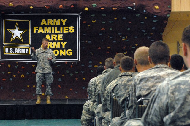 Sergeant Major of the Army Kenneth O. Preston visited U.S. Army Garrison Humphreys, Korea on November 25. During his visit he held a town hall meeting for about 850 Soldiers assigned to Humphreys and address concerns such as retention, pay and benefits, education and promotions.