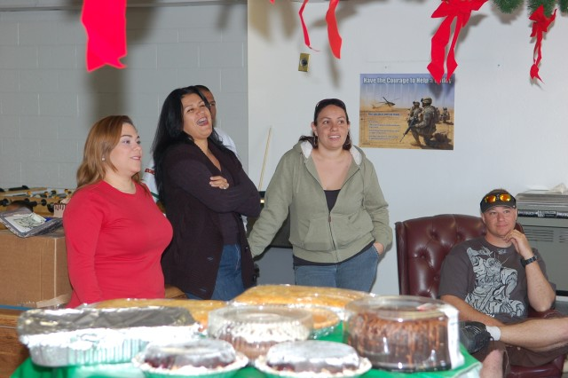 Fort Bliss families enjoy Brigade bake sale