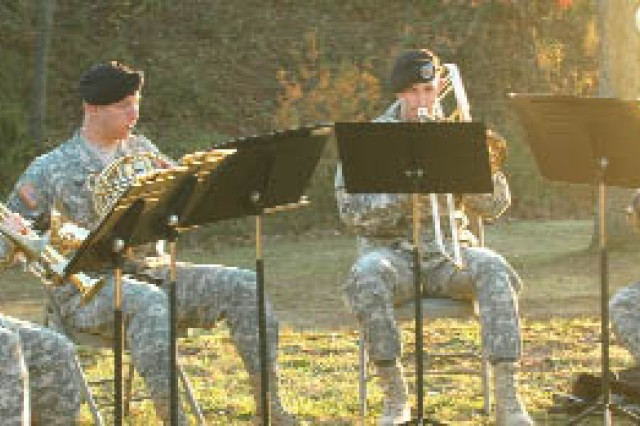Members of the Army Ground Forces Band entertain attendees as they arrive and mingle.