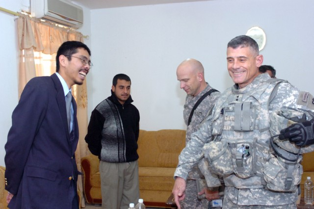 Army Commander Partners with Reconstruction Team
