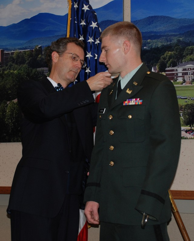 Amputee Earns Commission Through Army ROTC