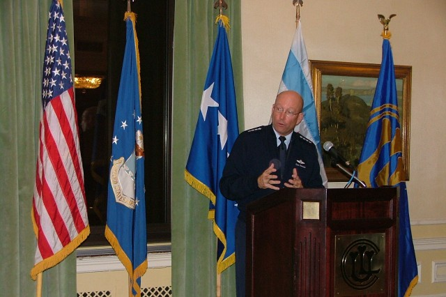 General Victor E. Renuart Jr., Commander of North American Aerospace Defense Command (NORAD) and the United States Northern Command (NORTHCOM), addresses a gathering of over 60 military leaders, public officials and private organizations at the Union League Club of Chicago February 2, 2009.  Renuart described his command's composition and mission and its role in Homeland Defense, then fielded questions from the audience.