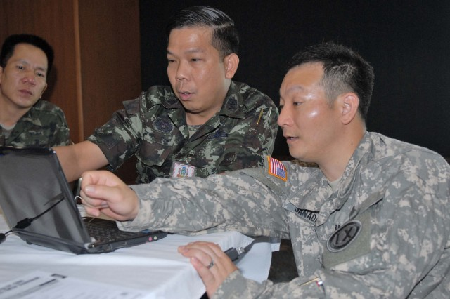 9th MSC Soldiers work with coalition partners during Cobra Gold