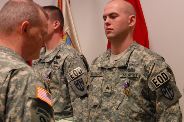 eod ncos awarded purple hearts