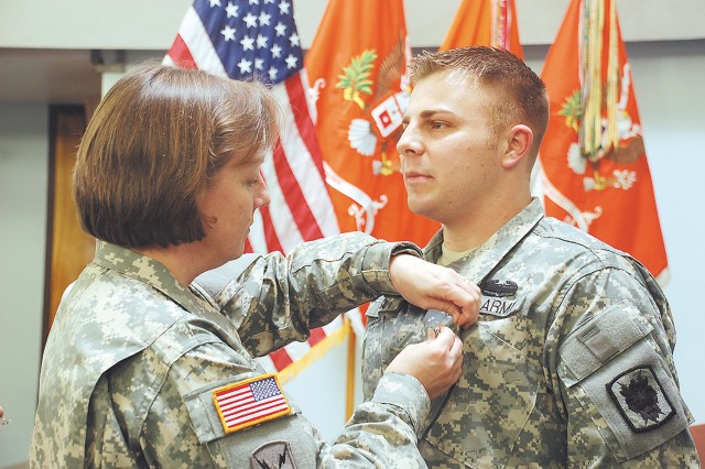 Wounded Signal Soldier recognized