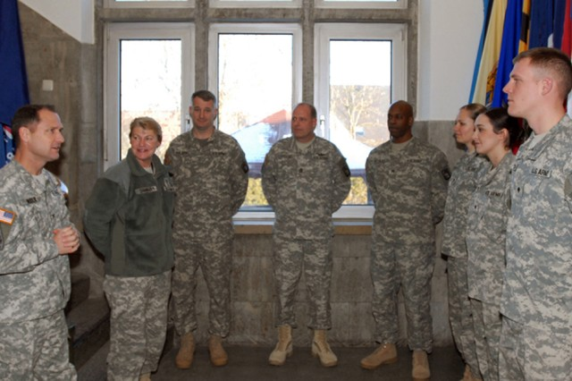 Army Materiel Command CG visits with Soldiers and civilians of 12th CAB