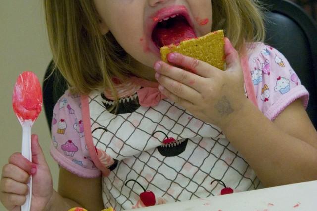 Keiki create edible art at monthly program