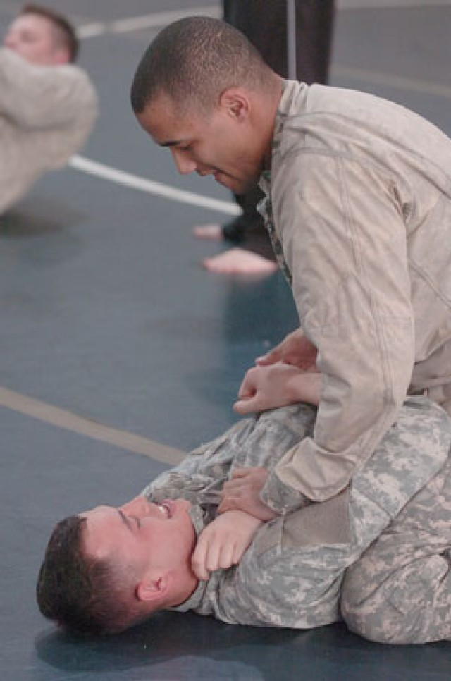 Combatives training school kicks off at Belvoir