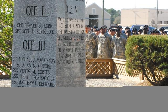 4/64 Armor Honors Fallen Comrades