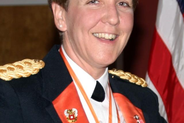 Signal Regiment remembers battalion commander