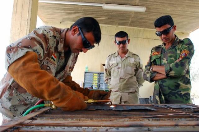 IA Soldiers learn welding skills