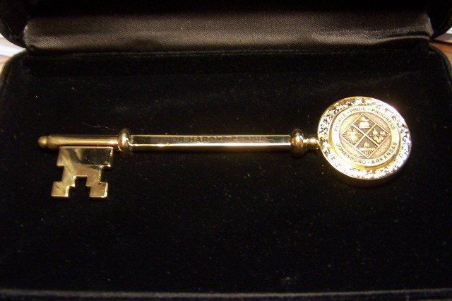 "Jonesboro ""Key to the City"" presented to Lieutenant Colonel Dale Deehr"