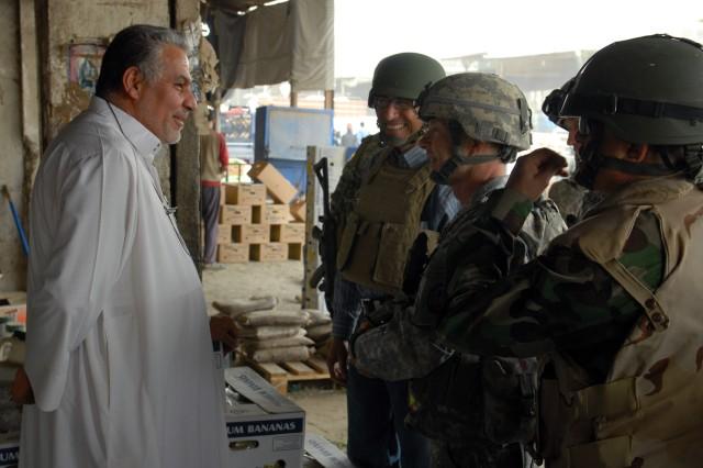 MNC-I commanding general visits Sadr City