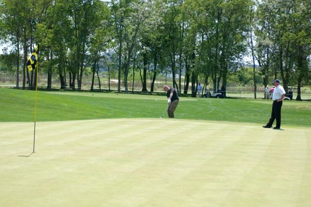 Stewart-Hunter Golfers Impress the Pros_3
