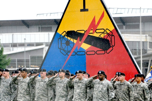 1st Armored Division marks change of command