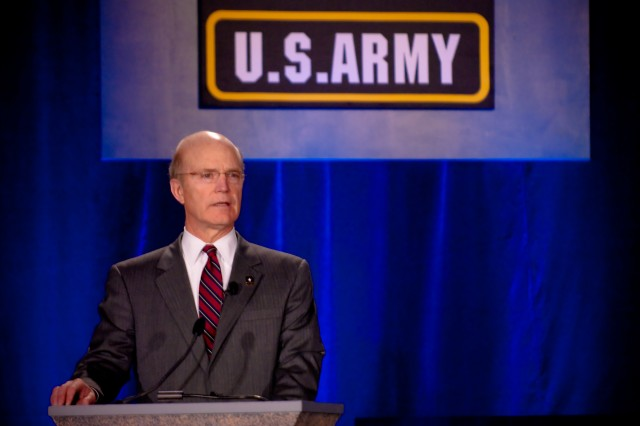 Army embraces social media at conference