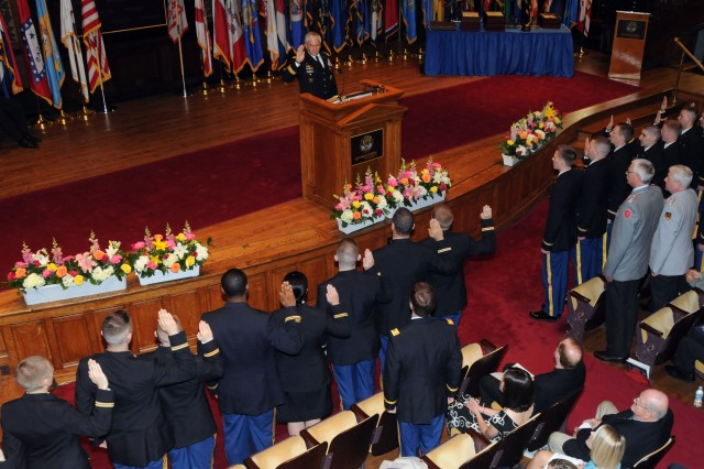 ROTC cadets become Army officers at Georgetown ceremony